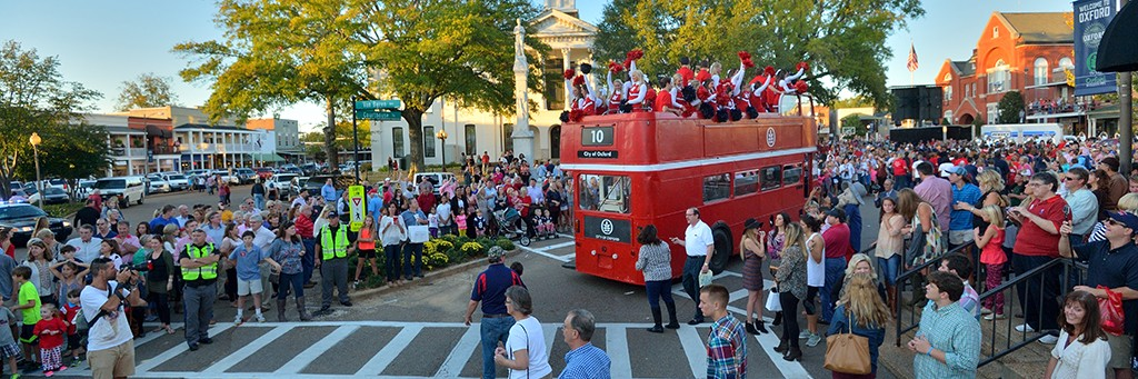 2014 Homecoming Parade.  Photo by Kevin Bain/Ole Miss Communications